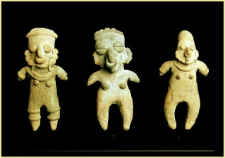 ECBH-102 Set of 3 Bahia de Caraquez Figurines Image 1